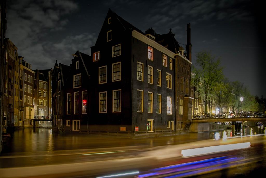 Amsterdam by Night Arnaud Gaertner Photography