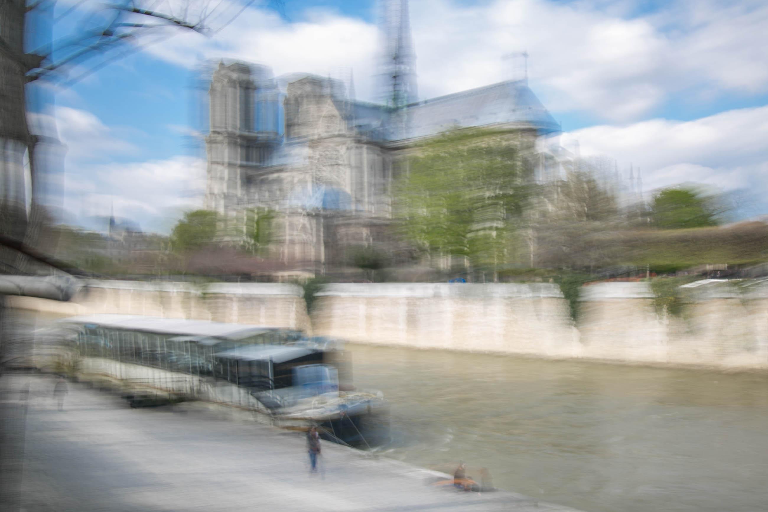 Paris in motion